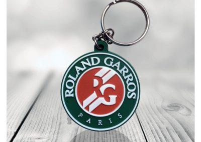 Porte-clés en PVC injecté souple relief 2D Roland Garros