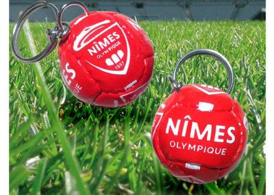 Porte-clés-ballon-imitation-cuir-FC-NIMES