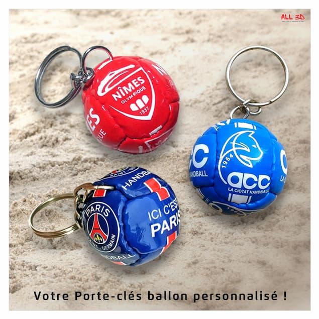 Porte-clés ballon en imitation cuir avec personnalisation par impression totale - Leather ball keychain